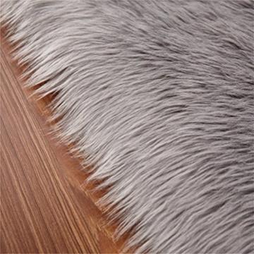 KAIHONG Faux Lammfell Schaffell Teppich (50 x 150 cm) Modern Wohnzimmer Teppich Flauschig Lange Haare Fell Optik Gemütliches Schaffell Bettvorleger Sofa Matte (Grau, 50x150cm) - 2