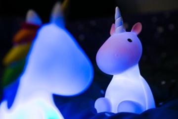 Dhink Einhorn Nachtlicht wiederaufladbar mit Timer Funktion und Dimmer - Multi Farbe und weißes Licht - 9