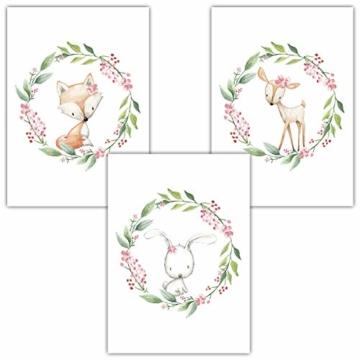 Frechdax® 3er Set Kinderzimmer Poster Babyzimmer Bilder DIN A4 | Mädchen Junge Deko | Dekoration Kinderzimmer | Waldtiere REH Fuchs Hase (3er Set Kranz, Blumen, Waldtiere) - 1