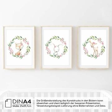 Frechdax® 3er Set Kinderzimmer Poster Babyzimmer Bilder DIN A4 | Mädchen Junge Deko | Dekoration Kinderzimmer | Waldtiere REH Fuchs Hase (3er Set Kranz, Blumen, Waldtiere) - 2