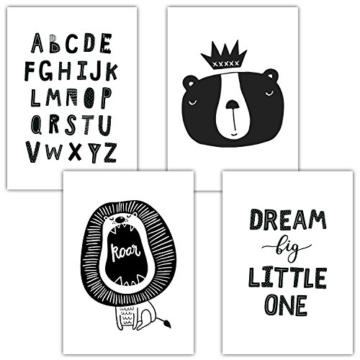 Frechdax® 4er Set Kinderzimmer Babyzimmer Poster Bilder DIN A4 | Mädchen Junge Deko | Dekoration Kinderzimmer | Waldtiere Safari Skandinavisch (4er Set Alphabet, Löwe, Dream Big) - 1
