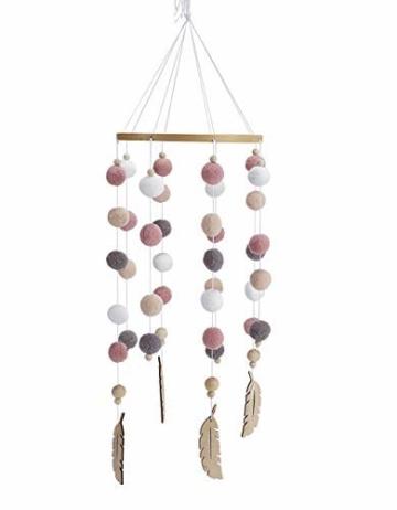 Mobile mit Filzbällen und Federornamenten, zum Aufhängen über dem Kinderbett. - 1