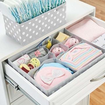 mDesign 8er-Set Aufbewahrungsboxen Stoff – Schubladenboxen mit insgesamt 13 Fächern – Kinderschrank Schubladen Organizer für Kleidung, Kosmetik, Windeln, Tücher, Lotion etc. – grau/weiß - 3