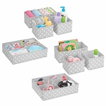 mDesign 8er-Set Aufbewahrungsboxen Stoff – Schubladenboxen mit insgesamt 13 Fächern – Kinderschrank Schubladen Organizer für Kleidung, Kosmetik, Windeln, Tücher, Lotion etc. – grau/weiß - 1